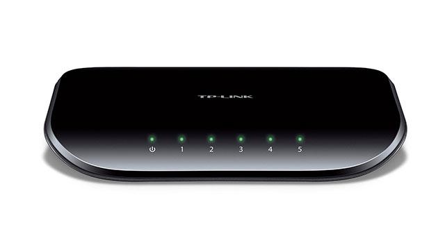TP-LINK 5-Port Gigabit Ethernet Desktop Switch (TL-SG1005D) - Best Ethernet Switches 2017 - 10 Top Network Switch